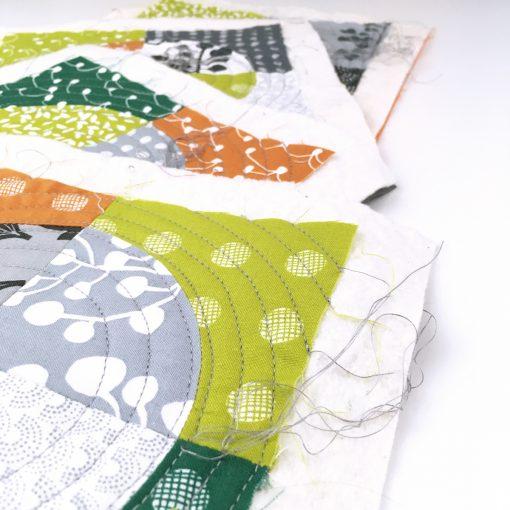 quilt | drunkard's path | block | curve | mini quilt | coaster | modern | quilt sandwich | Lotta Jansdotter | Lemmikki