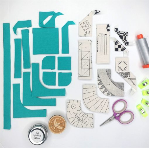 Letter Q English Paper Piecing EPP Alphabet modern quilted block as framed art made by Joanna Marsh (Kustom Kwilter), using Typecast EPP pattern.