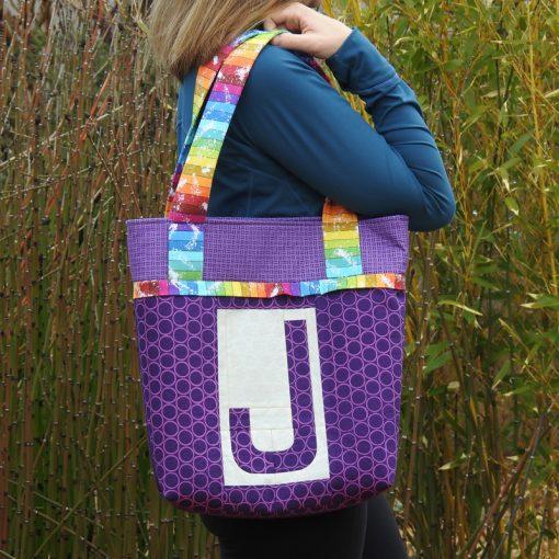 Letter J English Paper Piecing EPP Alphabet Modern Bag made by Yvonne Fuchs, Quilting JetGirl using Typecast EPP pattern.