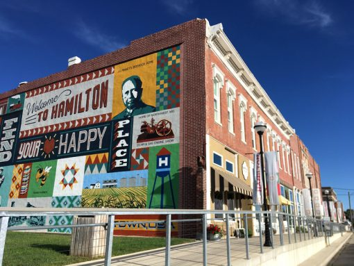 Missouri Star Quilt Company mural and shops